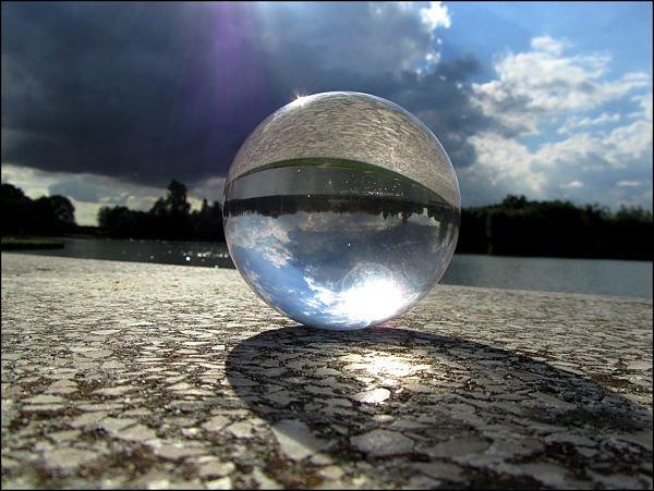 Boule de cristal et réfraction
